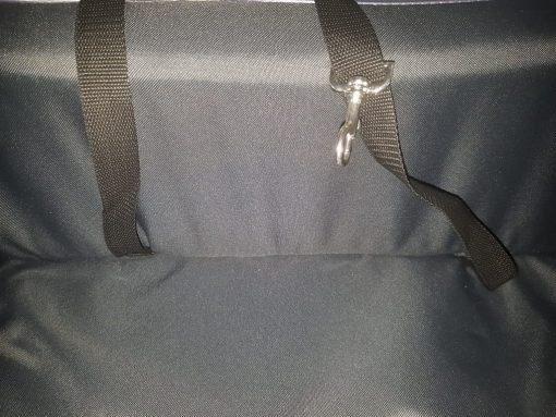 Autostoel gordel detail